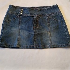 Dresses & Skirts - Denim mini skirt. Two pockets. Size 5